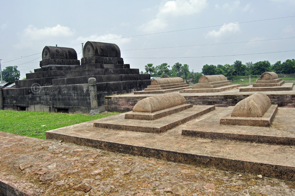 Choto Sona Masjid with the ancient graveyard