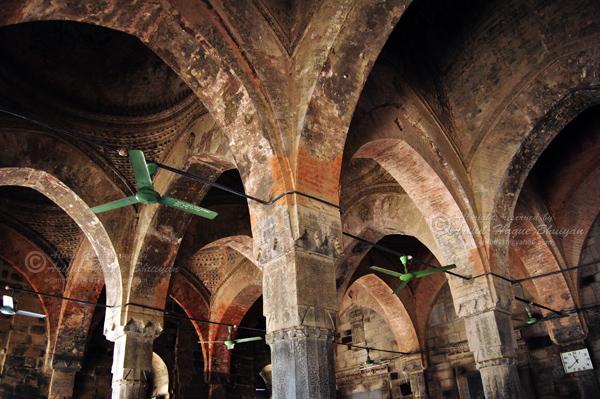 Inside Choto Sona Masjid