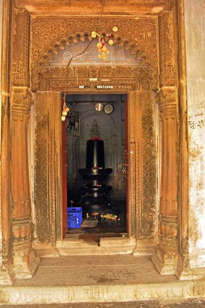 Shib in Temple
