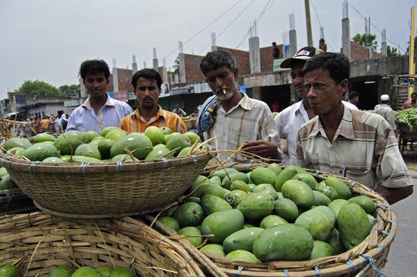 At Banessor Mango Market